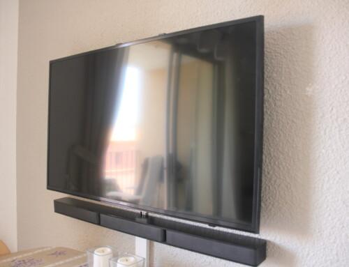(Maj) Nyt 40″ TV samt lydanlæg